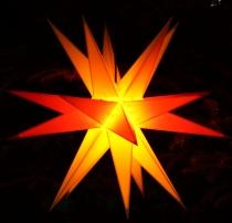 Melchior Outdoor II zweifarbig gelb/rot, sehr stabiler 3D Außenstern Ø 60 cm, mit 20 Spitzen, inkl. 4 m Außenkabel - Melchior gelb/rot