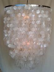 Deckenlampe / Deckenleuchte Salome chrome, Muschelleuchte aus hunderten Capiz, Perlmutt-Plättchen
