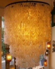 Deckenlampe / Deckenleuchte Salome, Muschelleuchte aus hunderten Capiz, Perlmutt-Plättchen