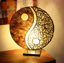 Tischlampe / Tischleuchte Ying & Yang - in Bali handgemacht aus Naturmaterial, Sisal, Rattan