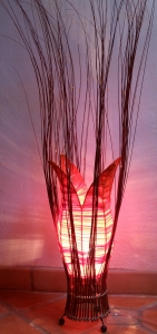 Tischleuchte / Tischlampe Motawi - in Bali handgemacht aus Naturmaterial, Baumwolle