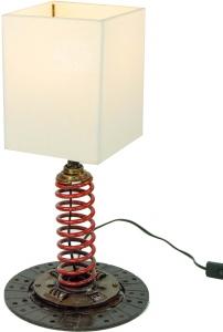 Tischlampe / Tischleuchte Motola, Industrial Style, Upcycling Lichtobjekt aus Altmetall - Modell Motola