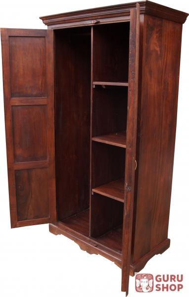 kleiderschrank im kolonialstil kleiderstange 1 aus aufbewahrung. Black Bedroom Furniture Sets. Home Design Ideas