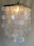 Deckenlampe / Deckenleuchte Sabah chrome, Muschelleuchte aus hunderten Capiz, Perlmutt-Plättchen