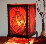 Lokta Papier Tischlampe, eckige Tischleuchte - Glücks Fische rot