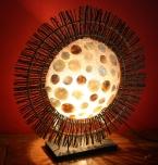 Tamino Tischlampe / Tischleuchte - in Bali handgemacht aus Naturmaterial, Holz, Capiz / Perlmutt