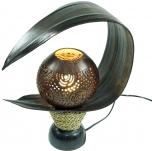 Palmenblatt Tischlampe / Tischleuchte, in Bali handgemacht aus Naturmaterial, Palmholz - Modell Palmera carving